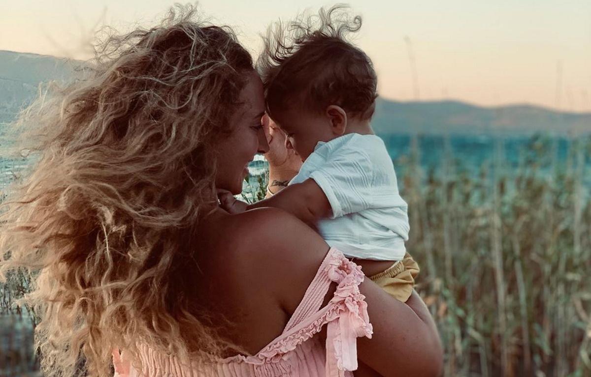 Η Κλέλια Πανταζή βαφτίζει τον εννέα μηνών γιο της! Φωτογραφίες
