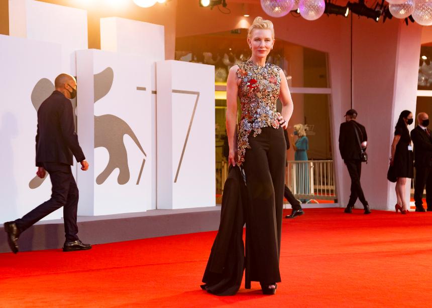 Τι φόρεσαν οι διάσημες χθες στο Φεστιβάλ Βενετίας;