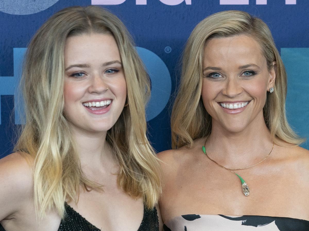 Η Reese Witherspoon ανέβασε φωτογραφία για να ευχηθεί στην 21χρονη κόρη της και είναι πιο ίδιες από ποτέ!