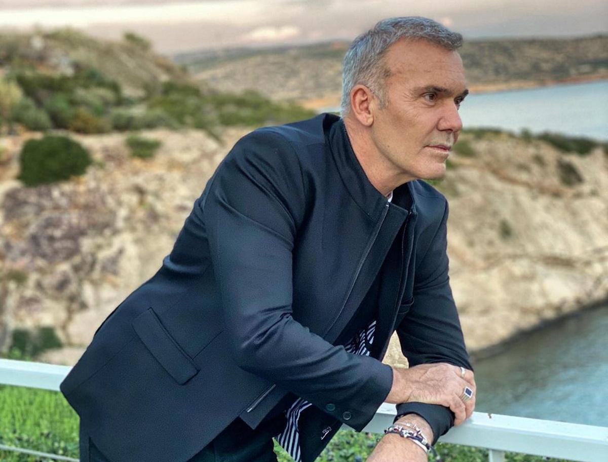Στέλιος Ρόκκος: Η εξομολόγηση για τη ζωή του στην Λήμνο και η αποκάλυψη για τις επετείους με τη Λελέ Γκόφα