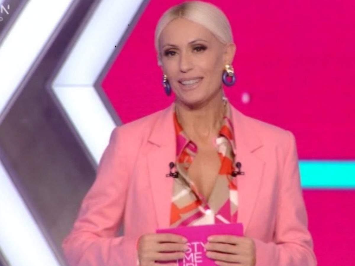 Style Me Up: Τα πρώτα λόγια της Μαρίας Μπακοδήμου και η παρουσίαση των κριτών (video)