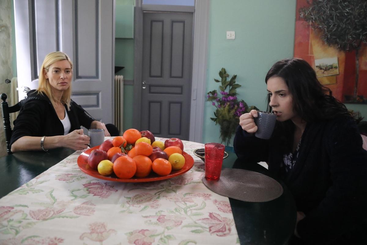 Το Καφέ της Χαράς: Αναστάτωση στο Κολοκρωνίτσι