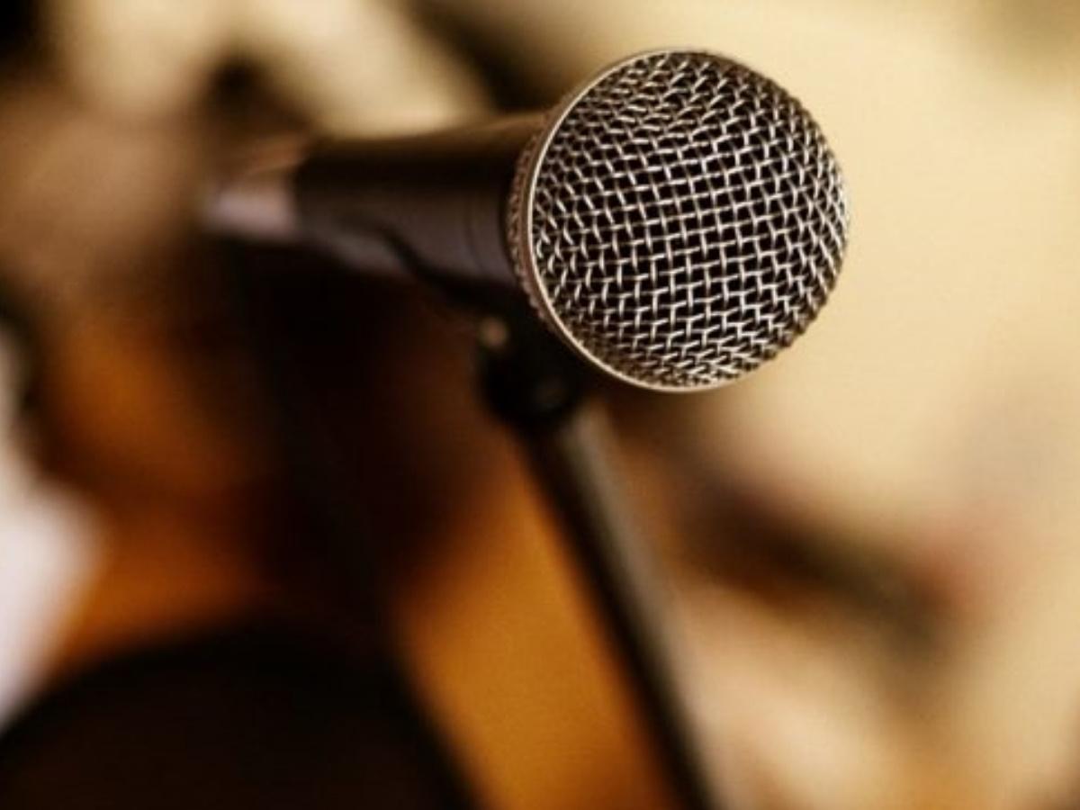 Γνωστός Έλληνας τραγουδιστής αποκάλυψε τη μάχη που έδωσε με τον κορονοϊό! (video)