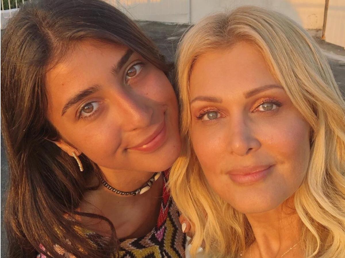 Χριστιάνα Μπέτα: Η 24χρονη κόρη της Νατάσας Θεοδωρίδου σε βραδινή έξοδο στην Αθήνα (pics)