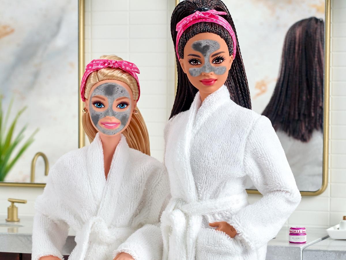 Η Barbie έχει την δική της μάσκα ομορφιάς που μπορείς να κάνεις κι εσύ!