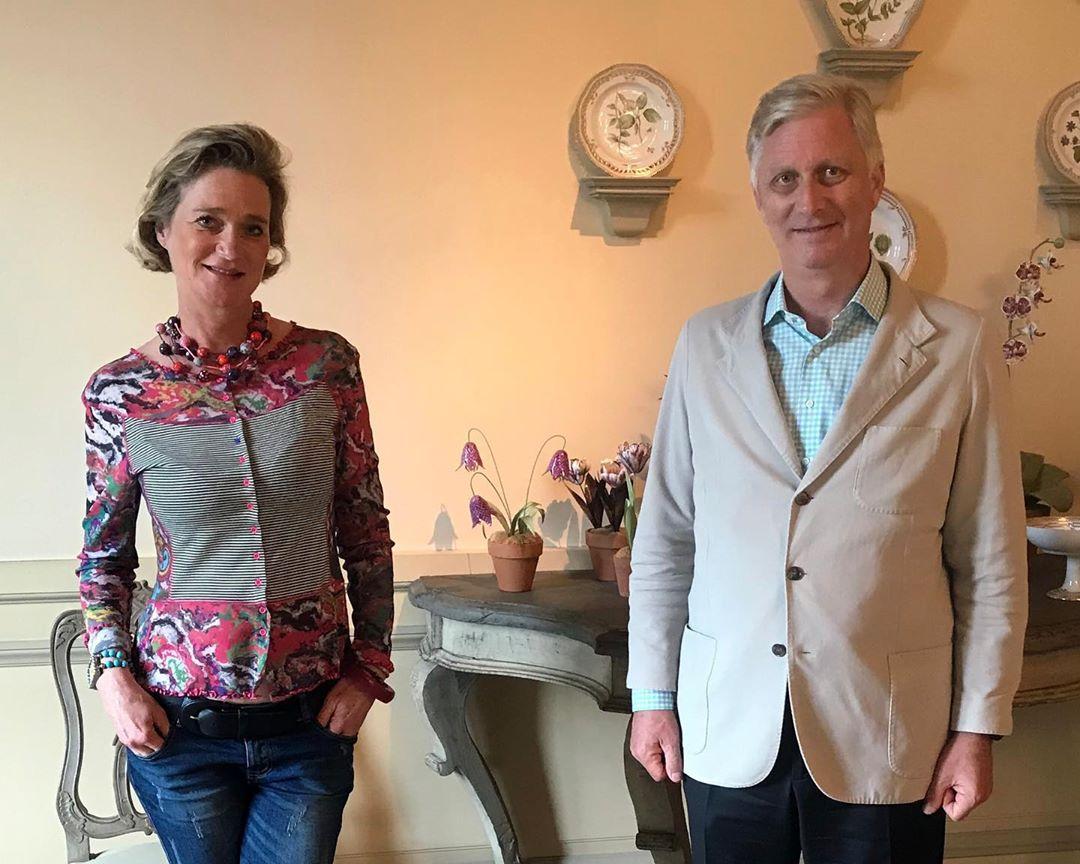Η γλύπτρια που έγινε πριγκίπισσα! Ο βασιλιάς του Βελγίου συνάντησε για πρώτη φορά την εξώγαμη κόρη του πατέρα του
