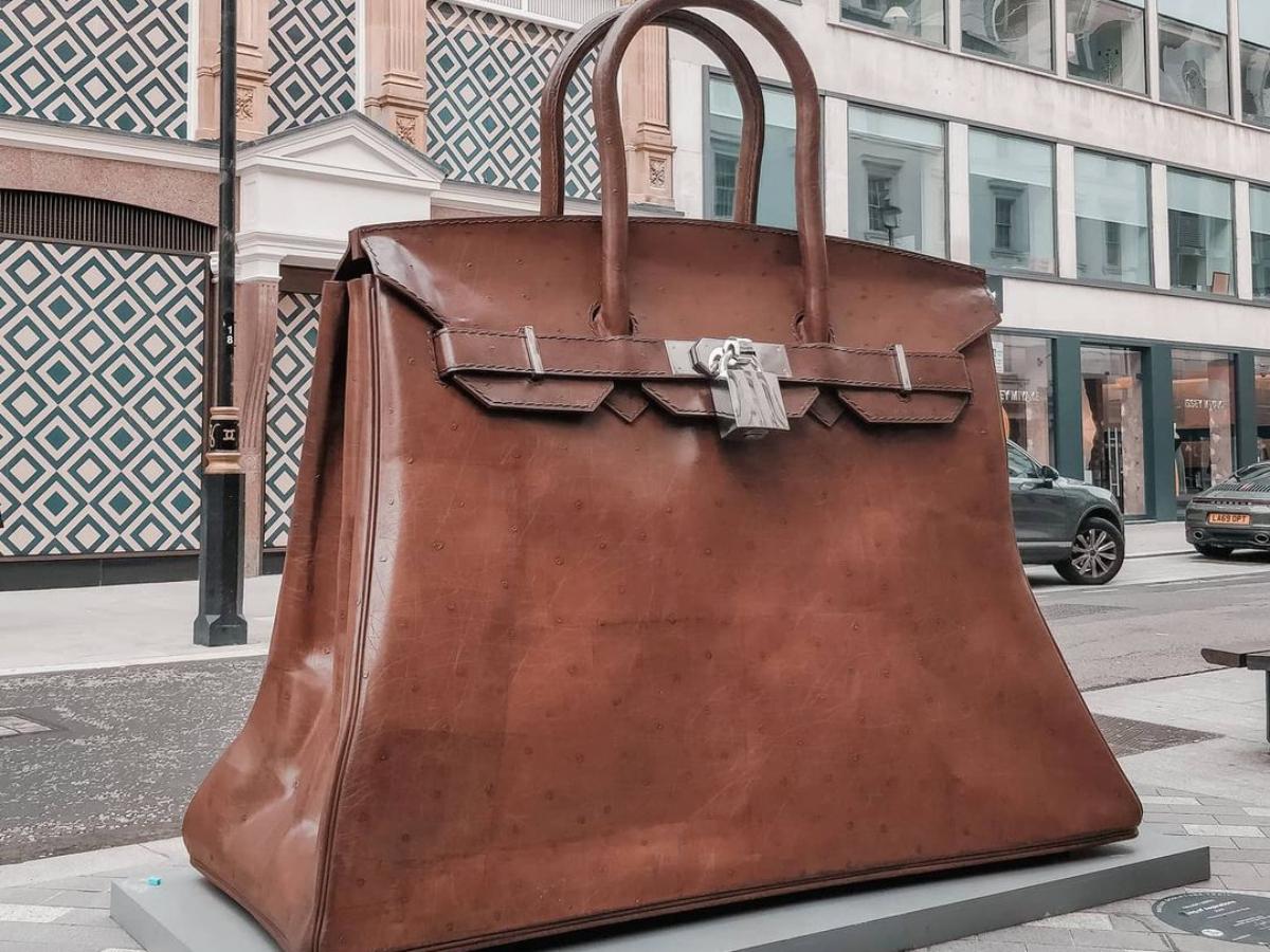 Μία Hermes Birkin bag με ύψος 9 μέτρα… στους δρόμους  του Λονδίνου!