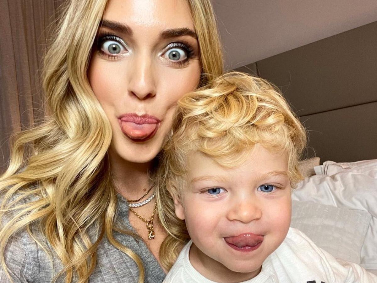 Η Chiara Ferragni άφησε τον γιο της να της κάνει μακιγιάζ και ιδού το αποτέλεσμα!