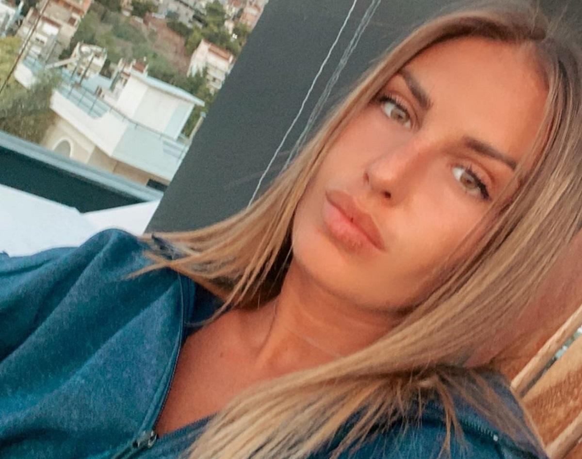 """Κατερίνα Δαλάκα: Ποζάρει με την πανέμορφη αδερφή της και μας εύχεται """"καλό μήνα"""""""