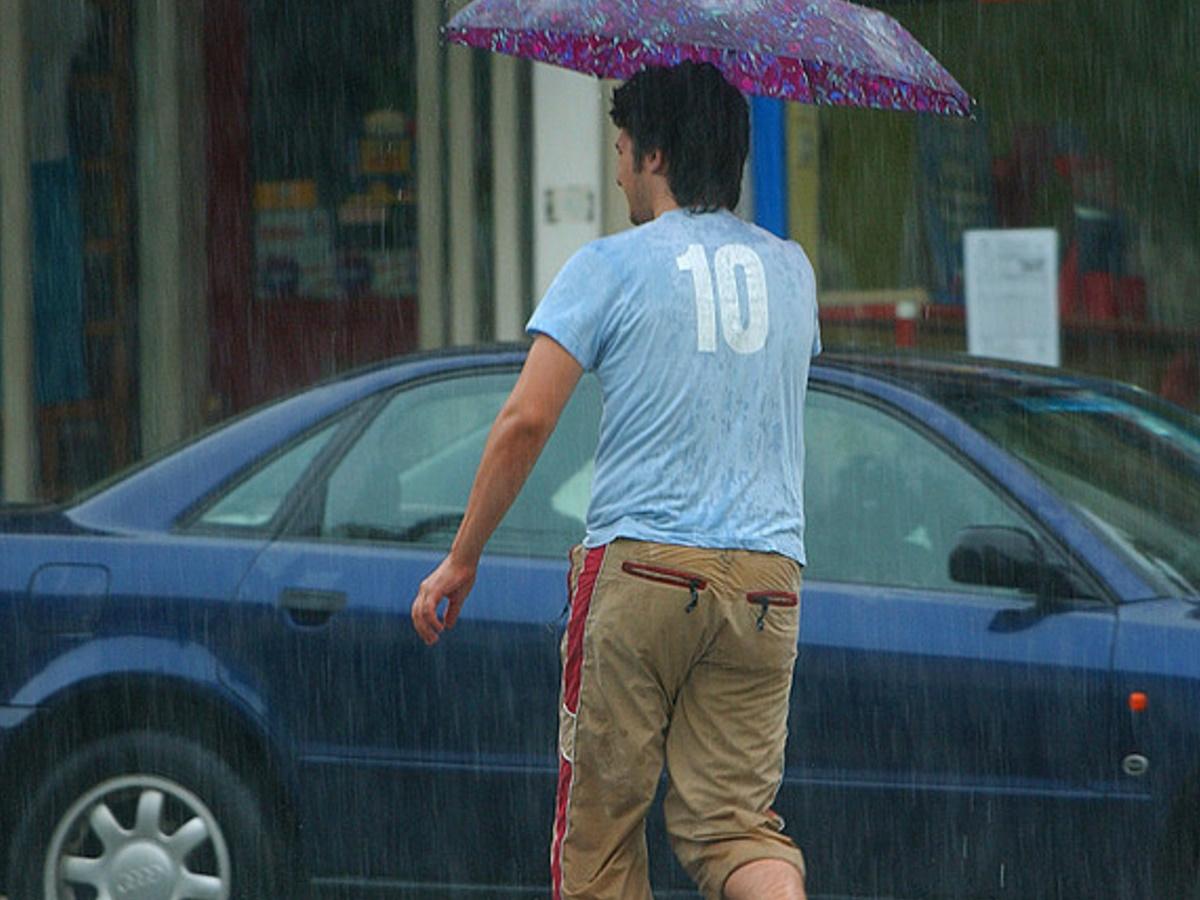 Καιρός αύριο: Θα… μουλιάσουμε την Κυριακή – Πού θα έχει καταιγίδες;
