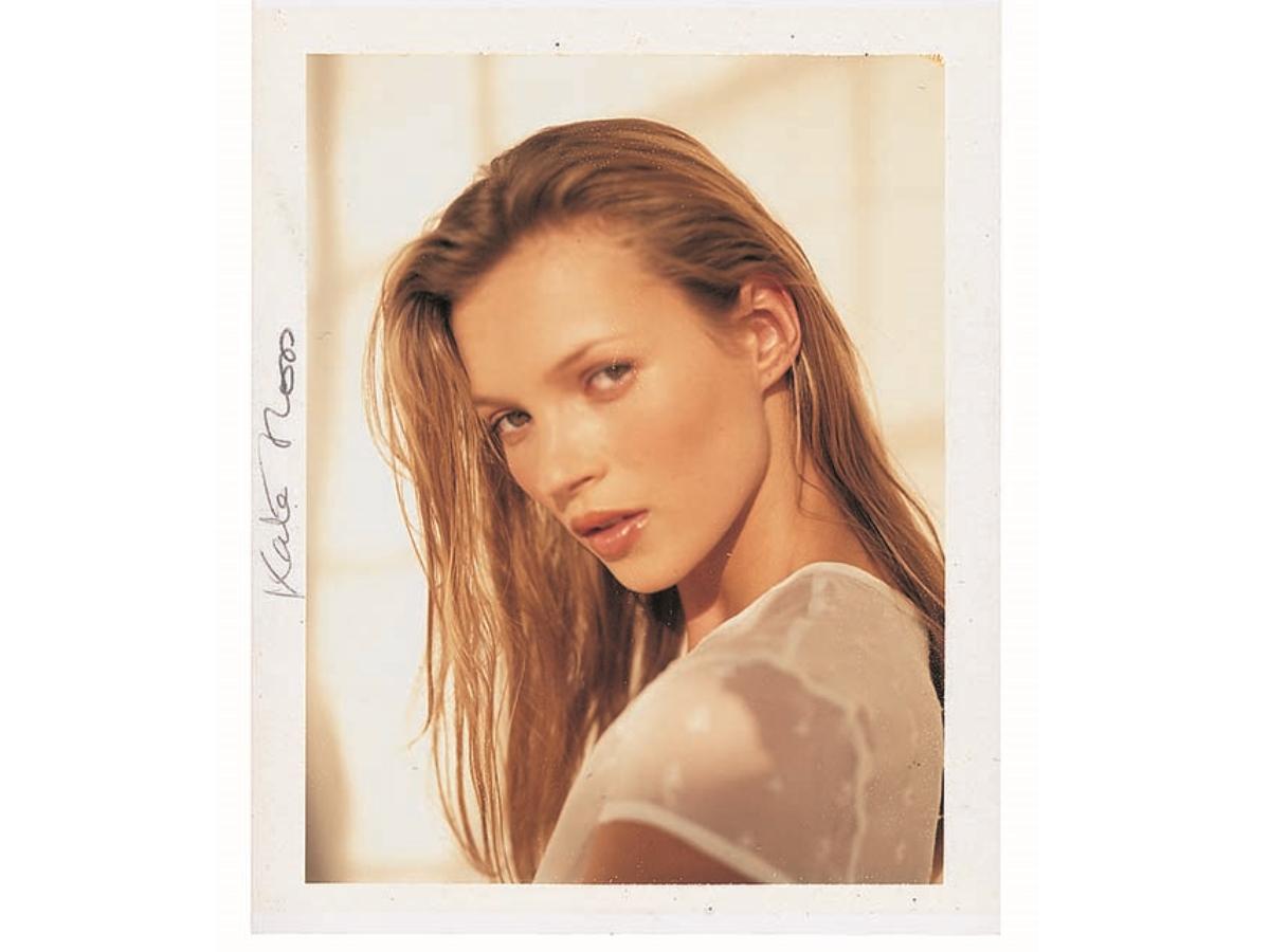 Από την Kate Moss μέχρι την Cindy Crawford: πώς έβαφε η Laura Mercier τα top model των 90's;