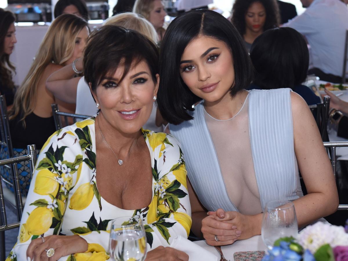 Η Kylie Jenner σε αυτήν εδώ τη photo είναι ίδια με τη μαμά της, Kris!