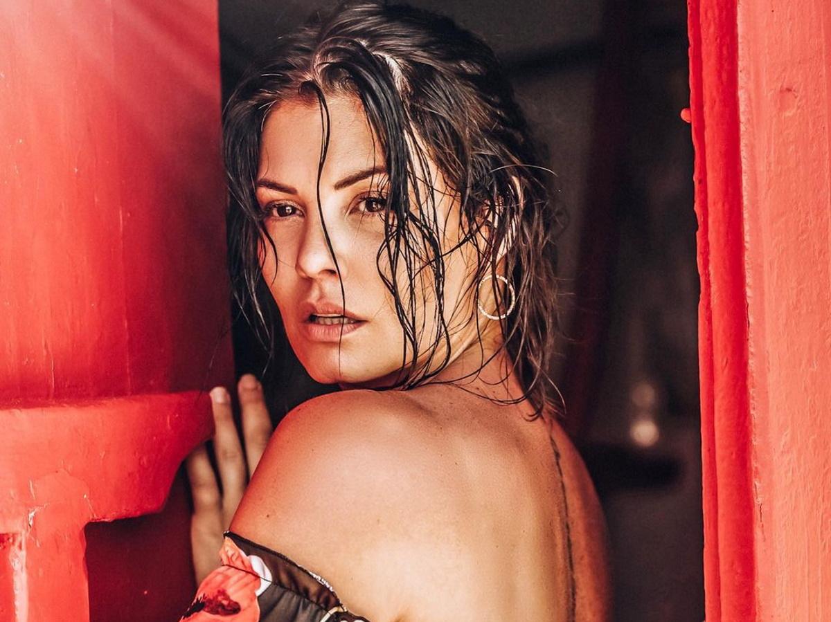Μαρία Κορινθίου: Ποζάρει topless στη μπανιέρα της και κλέβει την παράσταση!