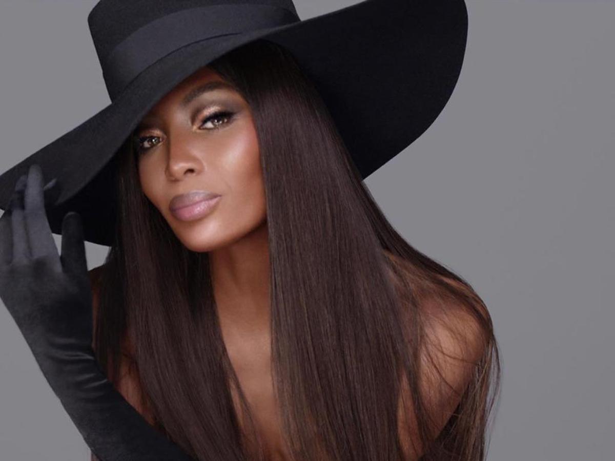 H Naomi Campbell ποζάρει στα 50 σαν το απόλυτο supermodel