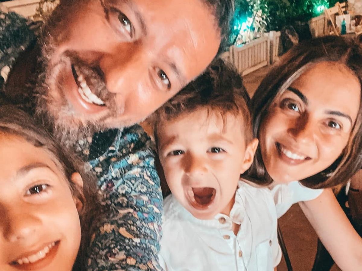 Mάνος Παπαγιάννης – Αγγελική Δαλιάνη: Τα παιδιά τους μπήκαν για τα καλά στο κλίμα του Halloween