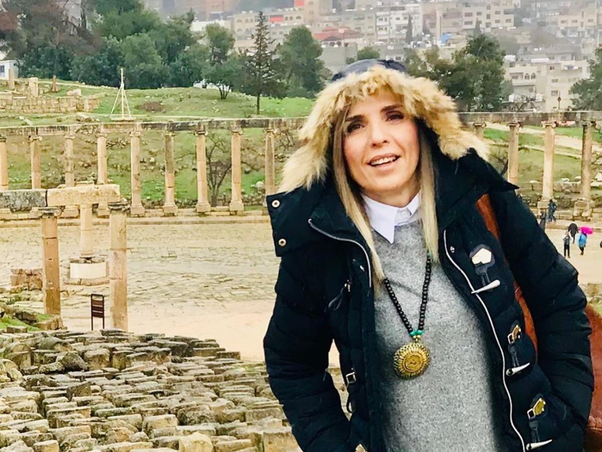 """Ρένα Κουβελιώτη: Δες ποια είναι η δημοσιογράφος που δίνει μάχη με την """"συρρίκνωση εγκεφάλου"""" (pics)"""