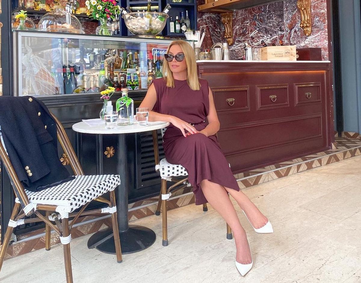 Τατιάνα Στεφανίδου: Η κυριακάτικη βόλτα στο Μοναστηράκι, με chic φθινοπωρινό look (pics)