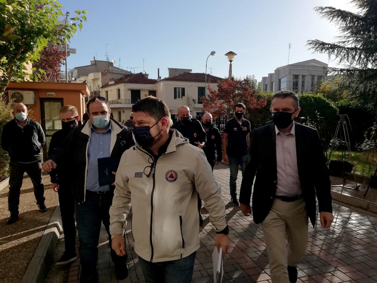 Σημεία και τέρατα είδε ο Χαρδαλιάς στην Κοζάνη- Μόνο από ένα πάρτι 11 θετικοί στον κορονοϊό