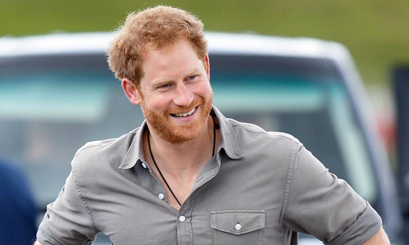 Πασίγνωστος ηθοποιός υποστηρίζει ότι είδε τον Πρίγκιπα Harry με… αλογοουρά!