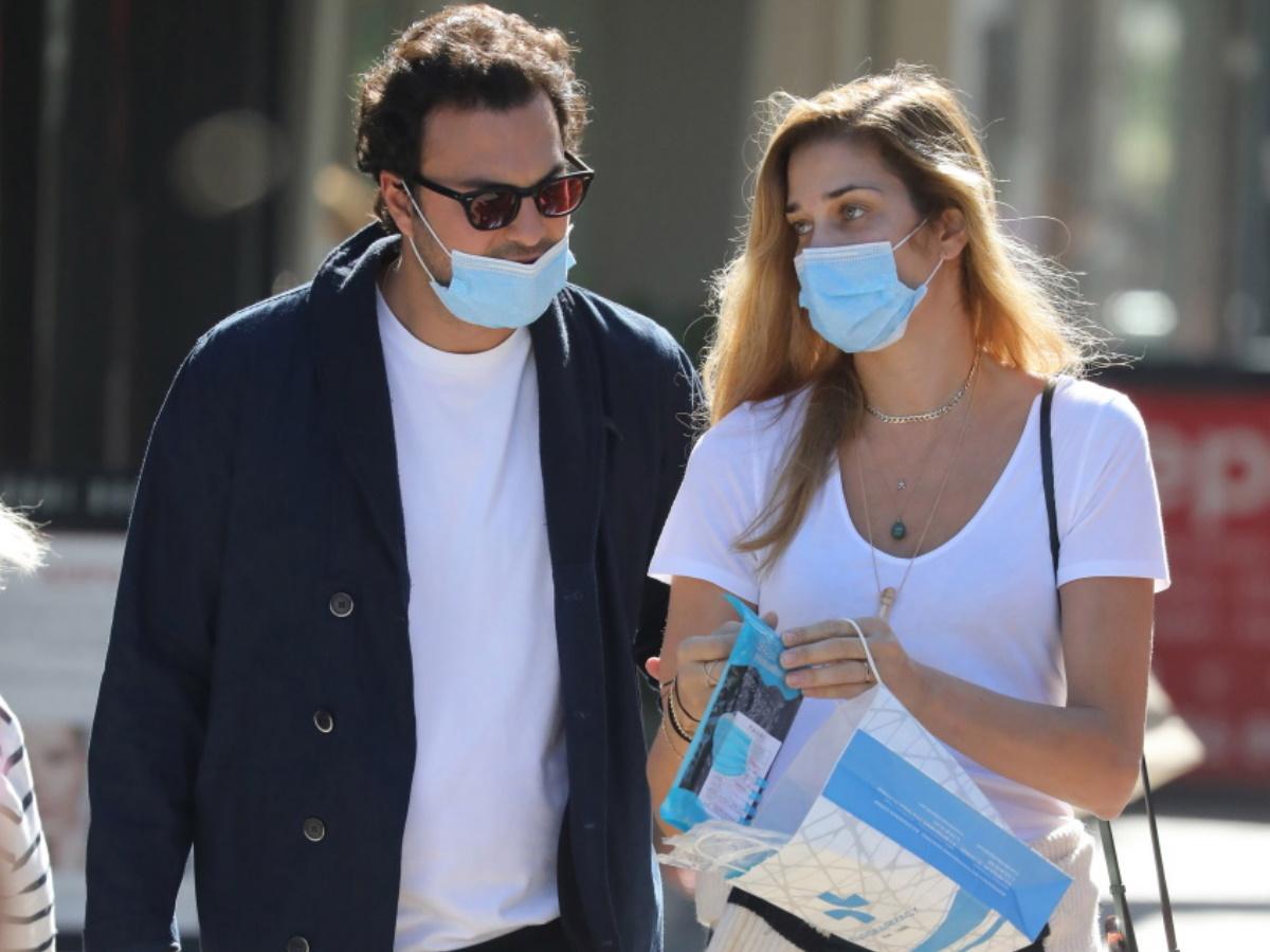 Ana Beatriz Barros: Απολαμβάνει την παραμονή της στην Ελλάδα! Οι βόλτες στα νότια προάστια με τον σύζυγό της (pics)