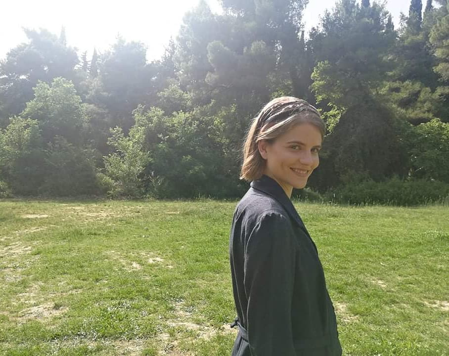 """Δανάη Μιχαλάκη: Τα παιδικά χρόνια στη Σύρο και ο απροσδόκητος τρόπος που πήρε τον ρόλο στις """"Άγριες Μέλισσες"""""""