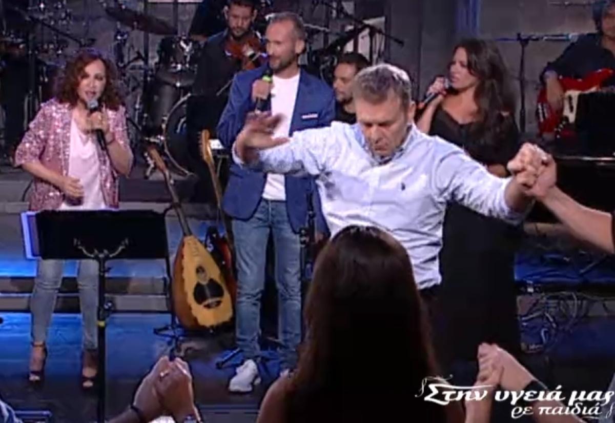 """Απόστολος Γκλέτσος: """"Τα έσπασε"""" στον Παπαδόπουλο με τον λεβέντικο χορό του! (βίντεο)"""