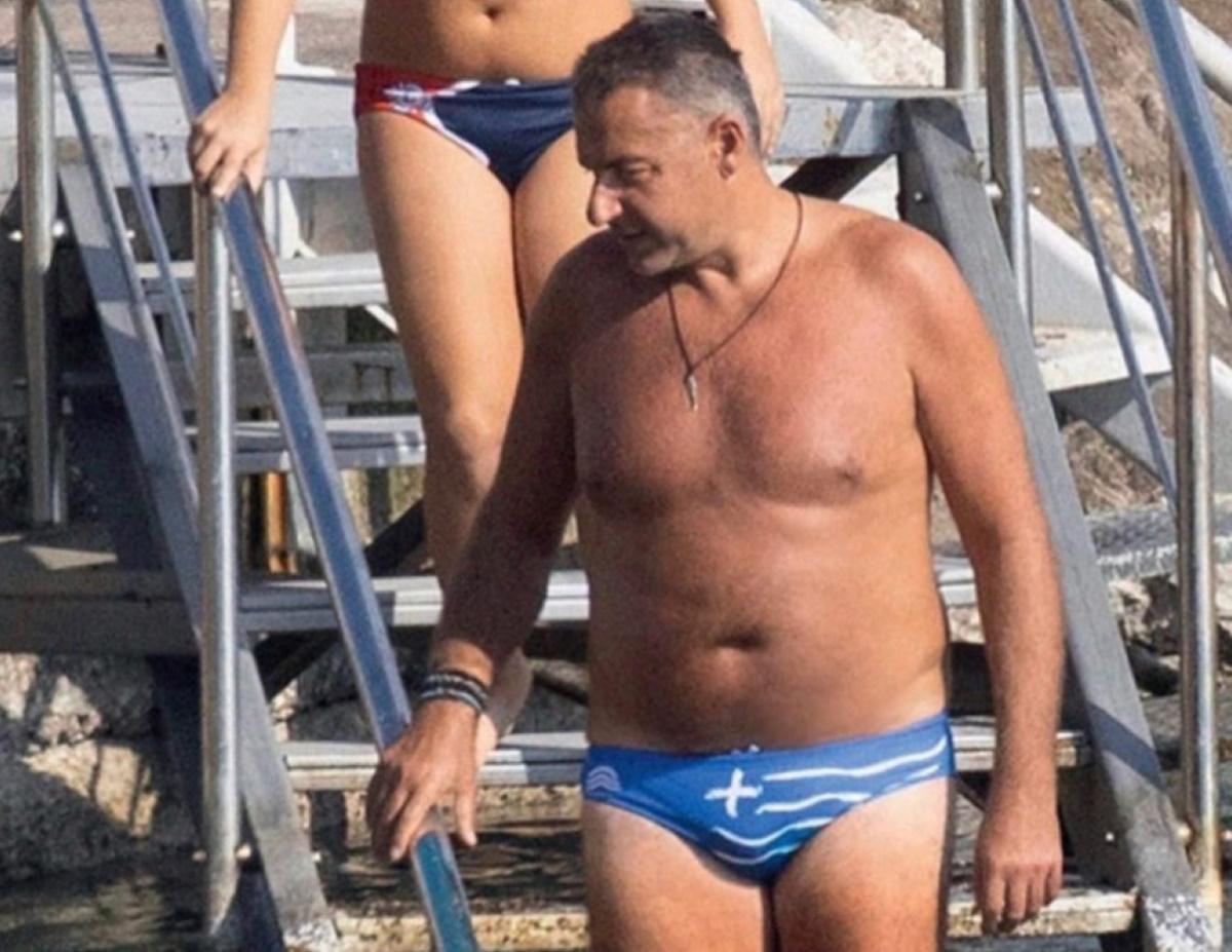"""Γιώργος Λιάγκας: """"Kατέβασε"""" από το instagram, τη φωτογραφία με το μαγιό – """"σημαία"""" μετά το """"χαμό"""" αρνητικών σχολίων!"""