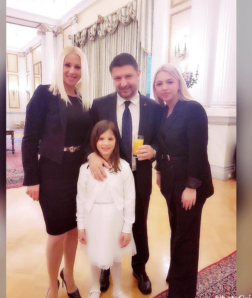 Νίκος Χαρδαλιάς: Γενέθλια με τις γυναίκες της ζωής του, που είναι… καλλονές![photos]