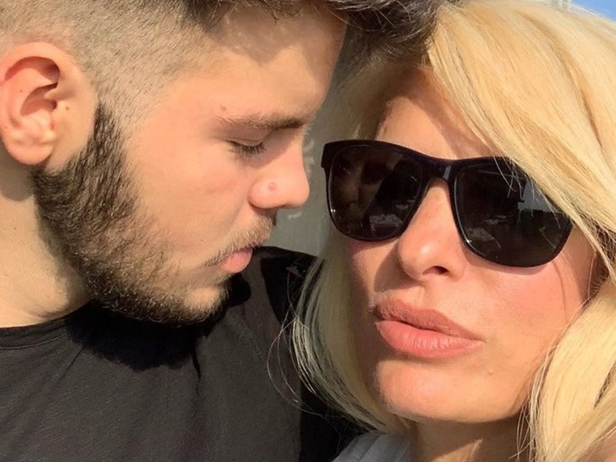 Άγγελος Λάτσιος: Ο γιος της Ελένης Μενεγάκη και του Γιάννη Λάτσιου βάζει πλώρη για την τηλεόραση;