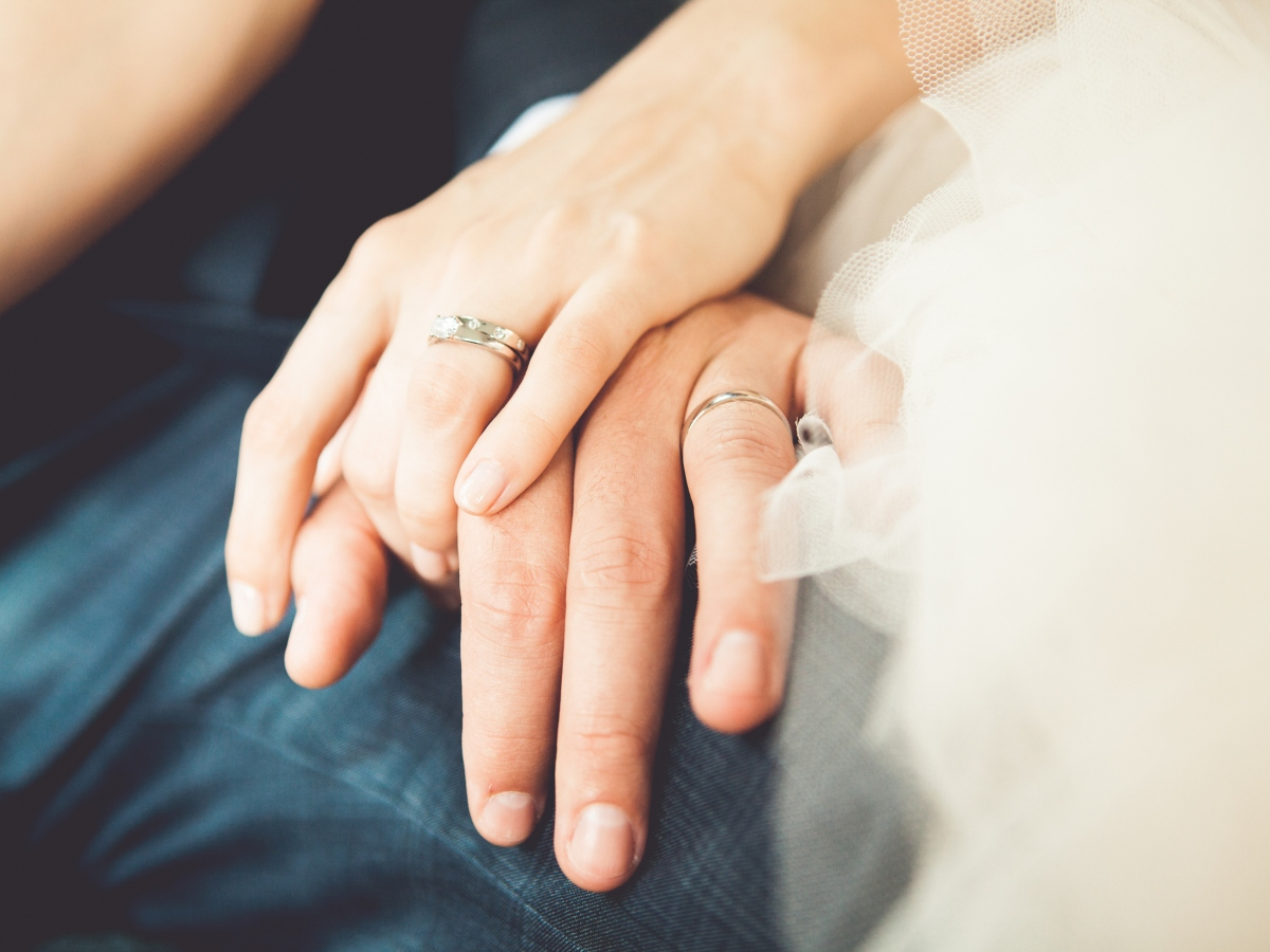 """Οι δικές σας ιστορίες: """"Τα τελευταία δύο χρόνια έμαθα για τη γυναίκα μου κάποια πράγματα για το παρελθόν της…"""""""
