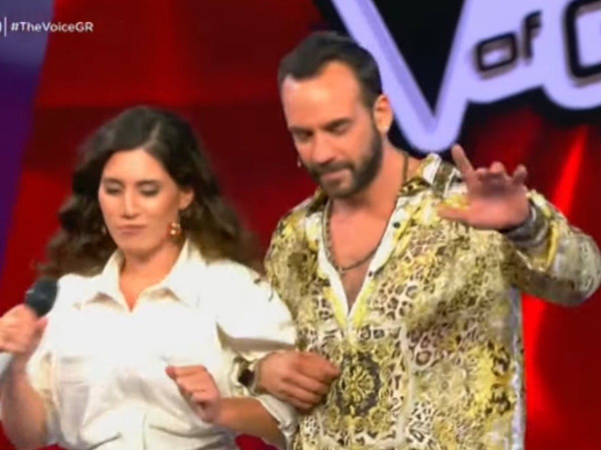 "The Voice: Η διαγωνιζόμενη που τρέλανε τον Μουζουράκη! Έβαλαν ""φωτιά"" μαζί στη σκηνή (video)"