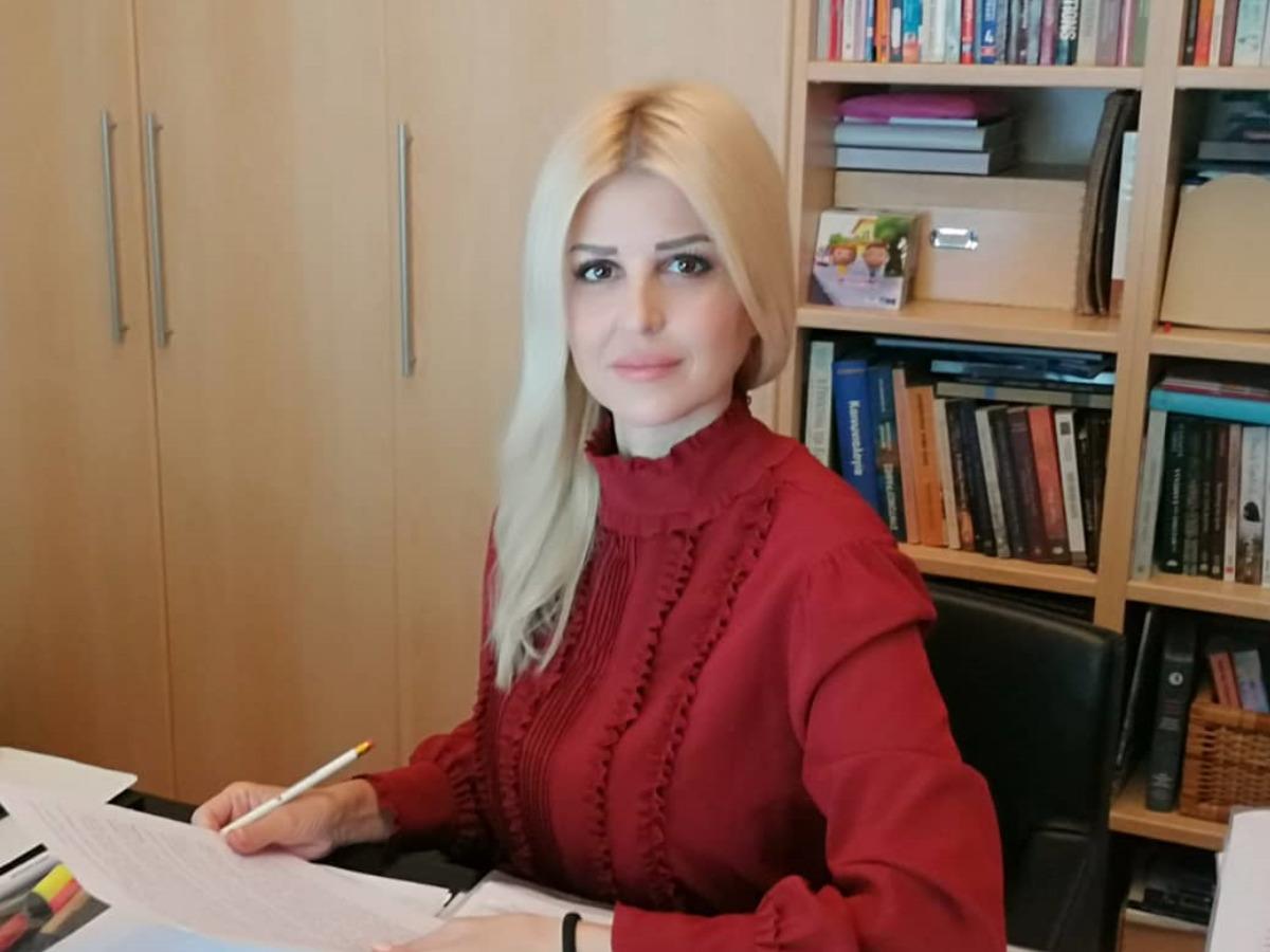 Έλενα Ράπτη: Δες τη βουλευτή σε ηλικία 22 ετών στα εγκαίνια του πολιτικού της γραφείου! (pic)