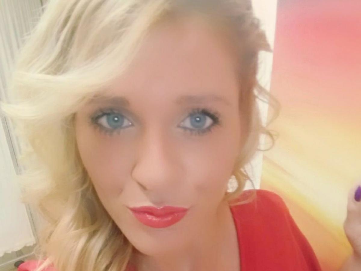 """Δημήτρα Κορόζη: """"Το παιδί μου έβγαλε έναν ρόγχο κι έσβησε ξαφνικά"""" λέει στο TLIFE η μάνα της καλλονής  νοσηλεύτριας"""