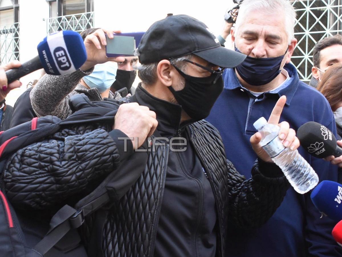 Ελεύθερος ο Νότης Σφακιανάκης – Η πρώτη δήλωση έξω από την Εισαγγελία (video)