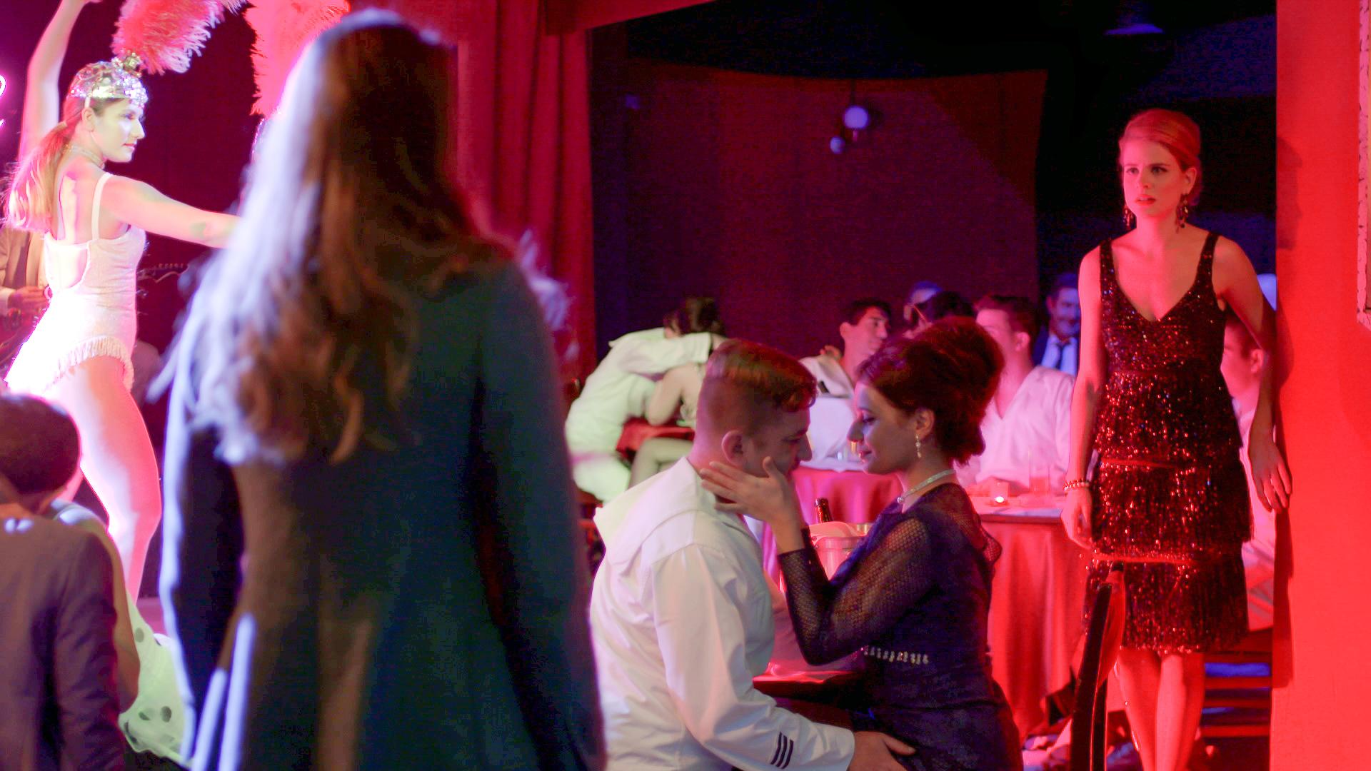 Άγριες Μέλισσες - Spoiler: Όλες οι εξελίξεις της επόμενης εβδομάδας! Η Ελένη βλέπει μπροστά της το Βόσκαρη στο Διαφάνι - Ο Δούκας διώχνει την Πηνελόπη!