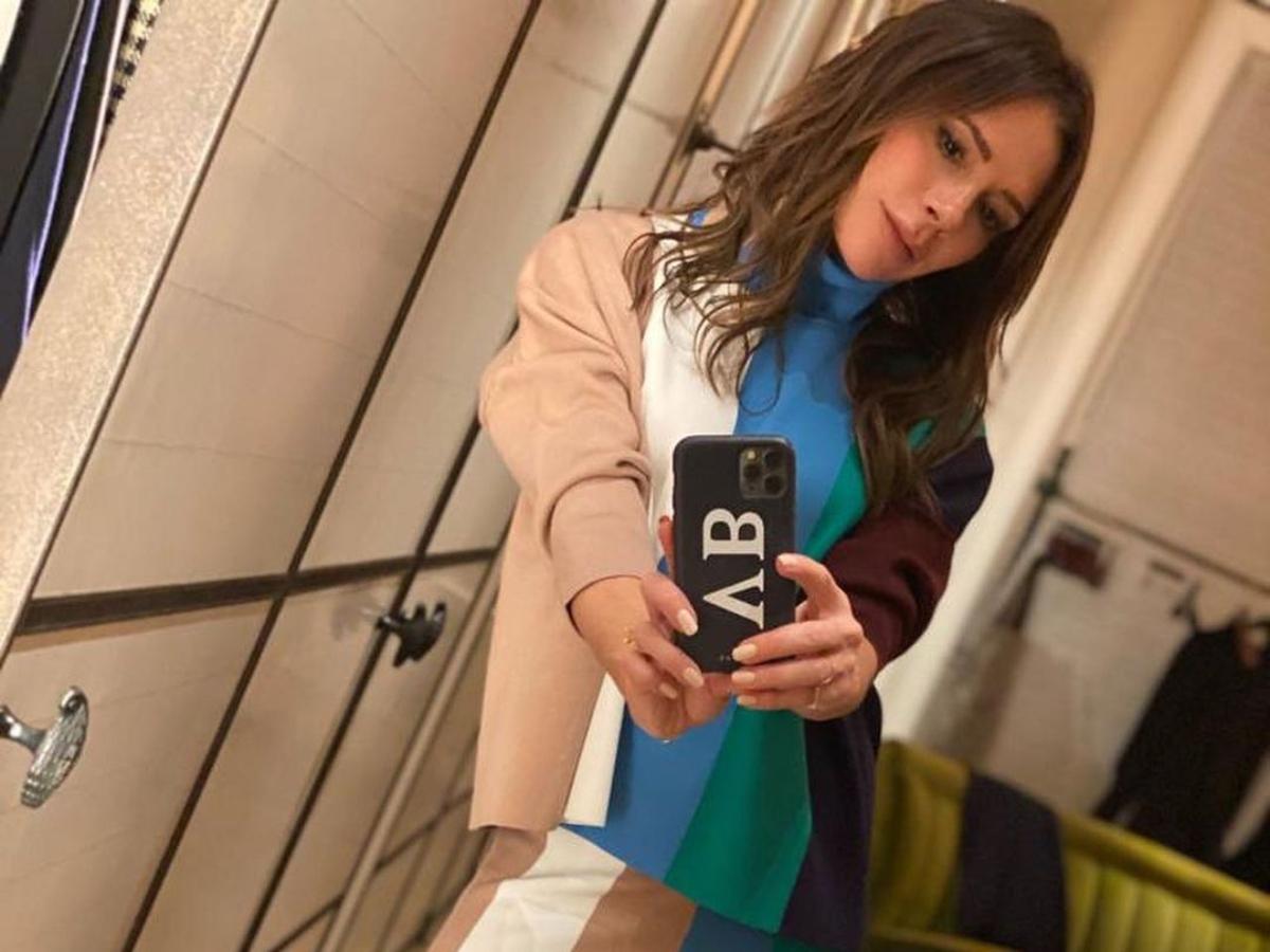 Tα σύνολα που φοράει η Victoria Beckman όταν δουλεύει από το σπίτι είναι τόσο στιλάτα όσο φαντάζεσαι!