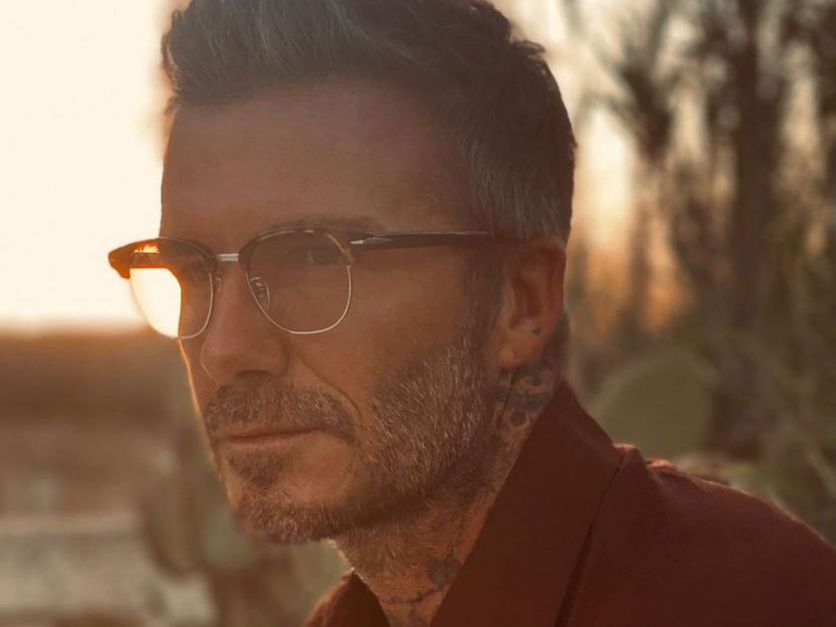 David Beckham: Μας συστήνει τον 70χρονο εαυτό του για καλό σκοπό