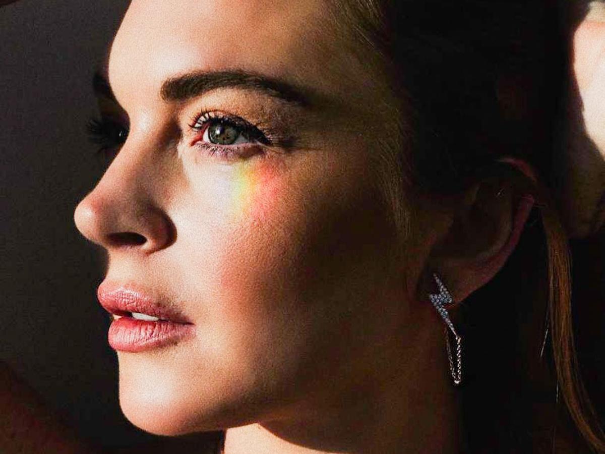 Τα τέλεια κοσμήματα που φοράει η Lindsay Lohan στο Instagram τα σχεδιάζει η ίδια!
