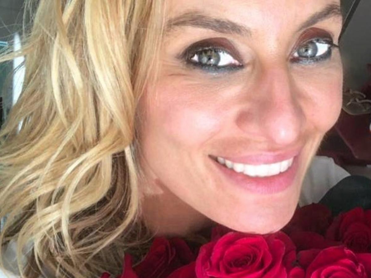 Ελεονώρα Μελέτη: Απόλαυσε τη βόλτα της στη βροχή με την 2,5 ετών κόρη της Αλεξάνδρα