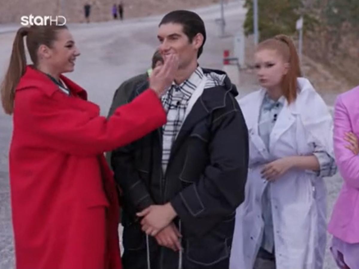 GNTM – Αιμιλιάνο και Μαριαγάπη: Τα άβολα σχόλια του φωτογράφου και τα πειράγματα των μοντέλων… για τον έρωτα τους! (video)