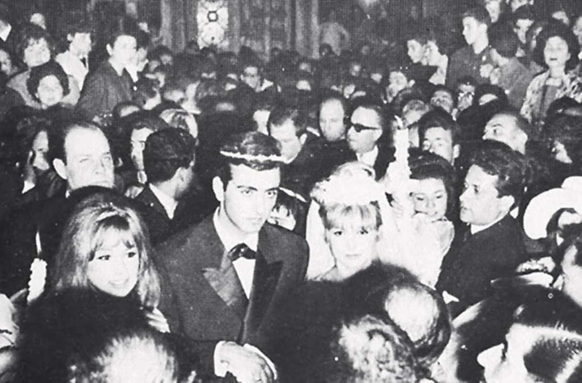 Άννα Φόνσου: Σπάνια φωτογραφία από τον πρώτο της γάμο, με κουμπάρα την Αλίκη Βουγιουκλάκη – Λιποθύμησαν και οι δυο