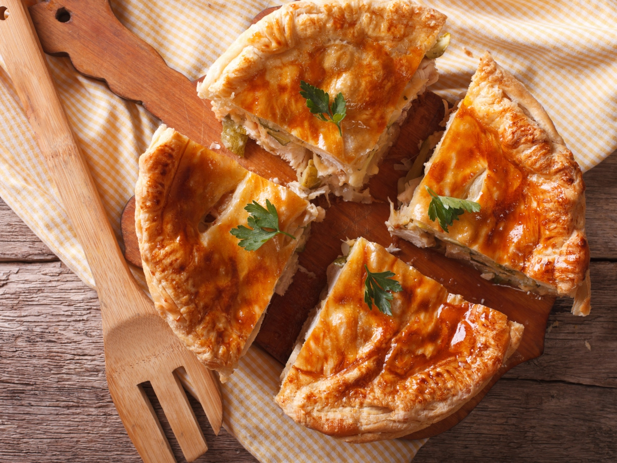 Συνταγή ζεστή πίτα με την γαλοπούλα που θα περισσέψει