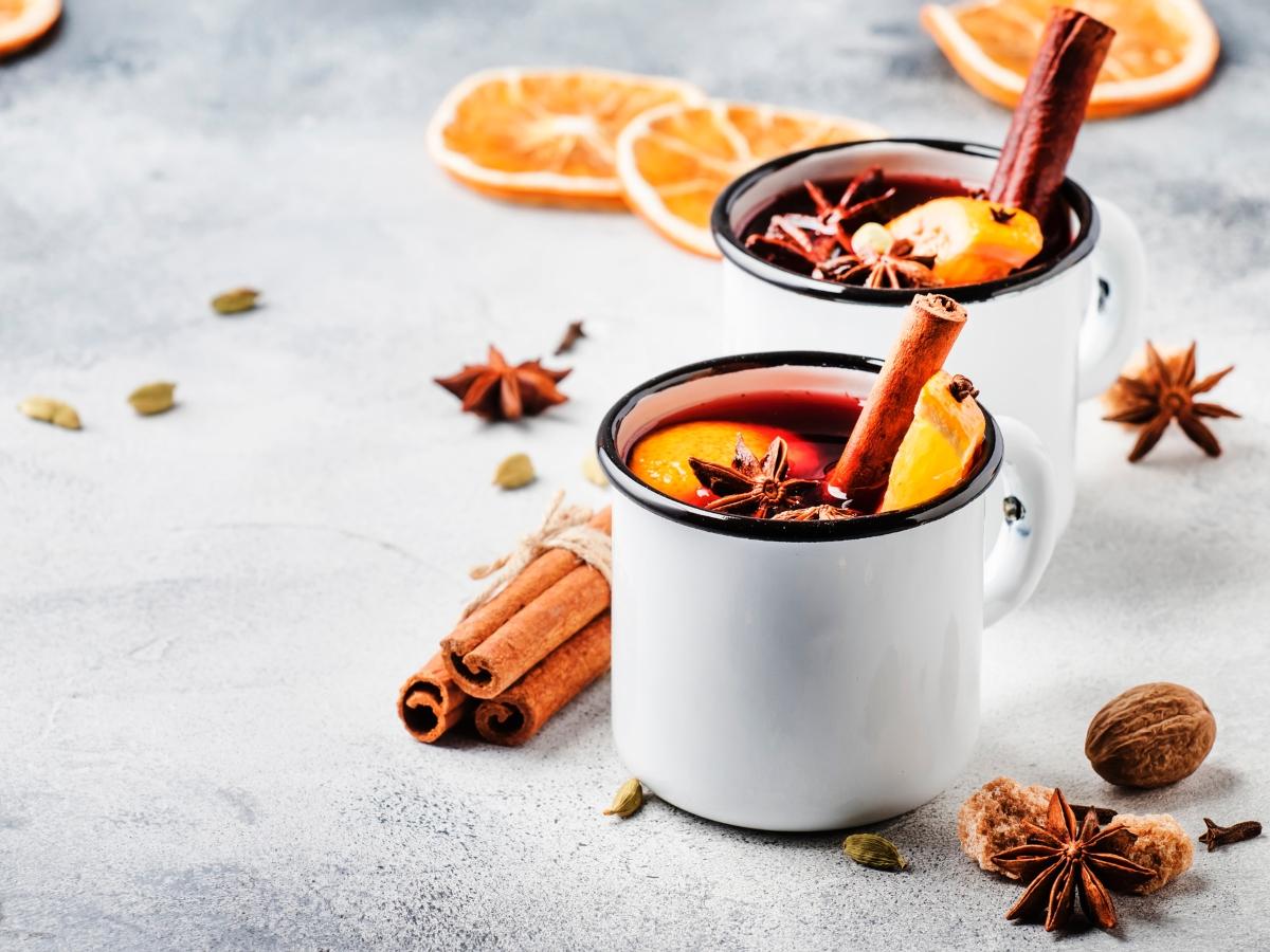 Συνταγή για Gluhwein, το ζεστό κρασί των Χριστουγέννων