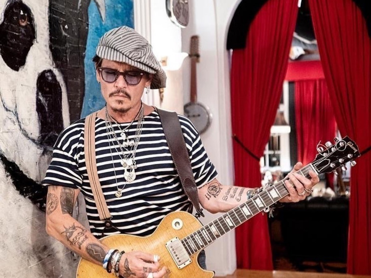 Johnny Depp: Μετά τη δύσκολη χρονιά που έζησε… μας εύχεται για ένα καλύτερο 2021