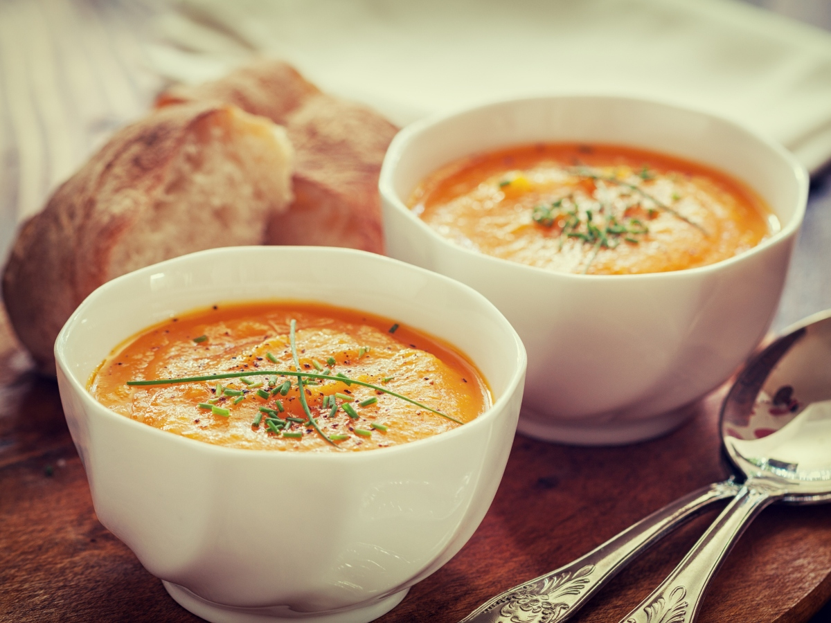 Συνταγή για πικάντικη καροτόσουπα με μπαχαρικά