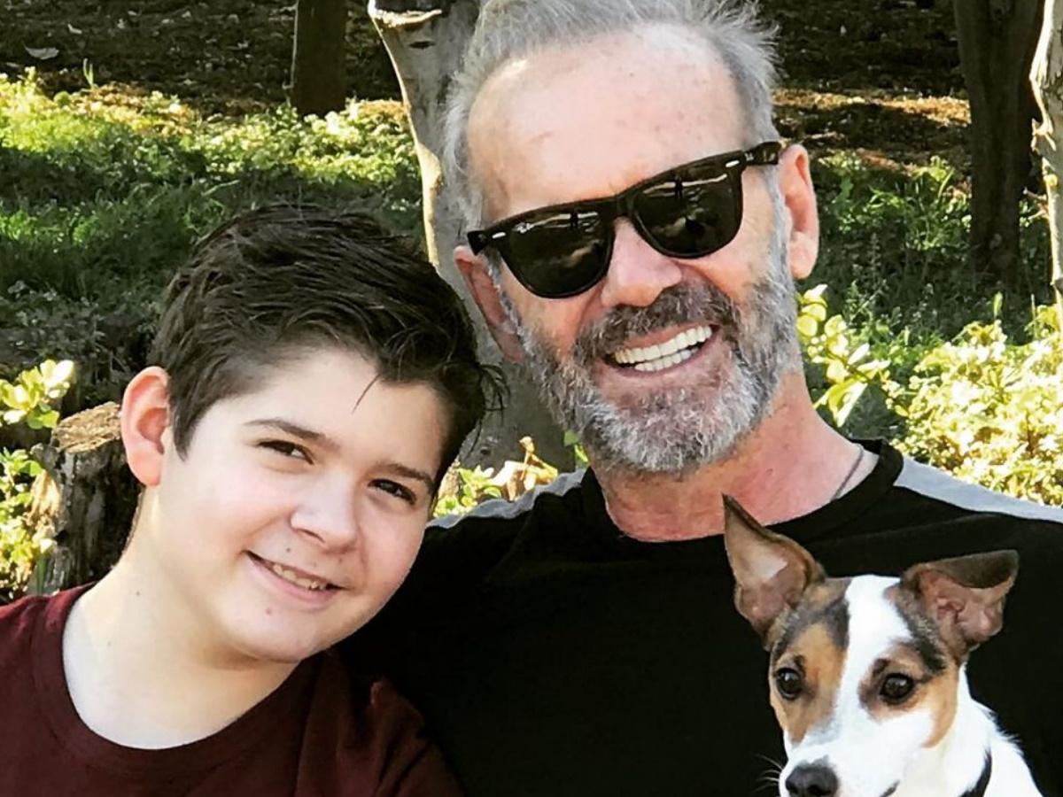 Πέτρος Κωστόπουλος: Ποζάρει στο πελώριο χριστουγεννιάτικο δέντρο του μαζί με τον 13χρονο γιο του, Μάξιμο! (pic)