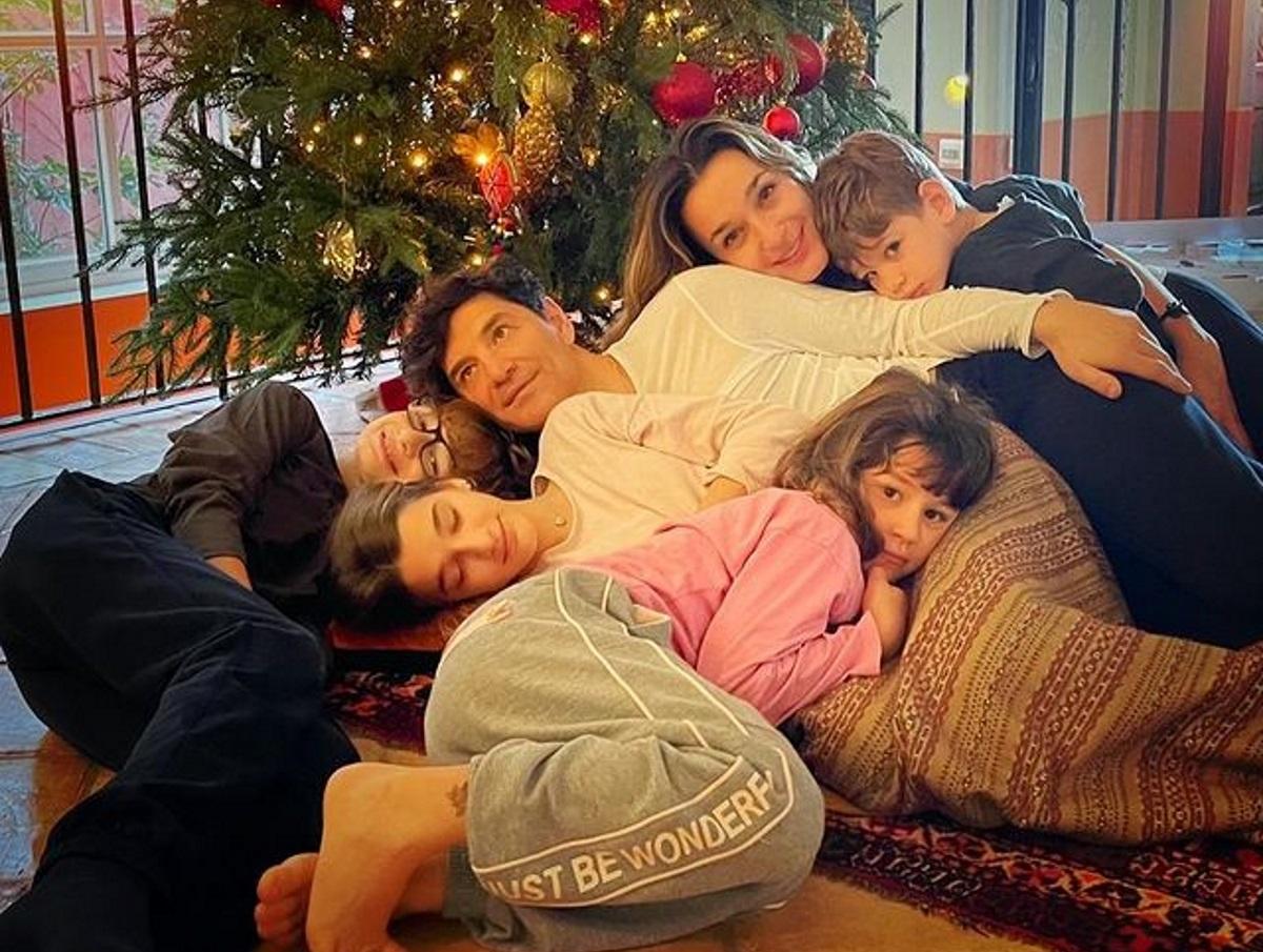 Σάκης Ρουβάς – Κάτια Ζυγούλη: Ο Άγιος Βασίλης ήρθε στο σπίτι τους – Έτσι αντέδρασαν τα παιδιά τους