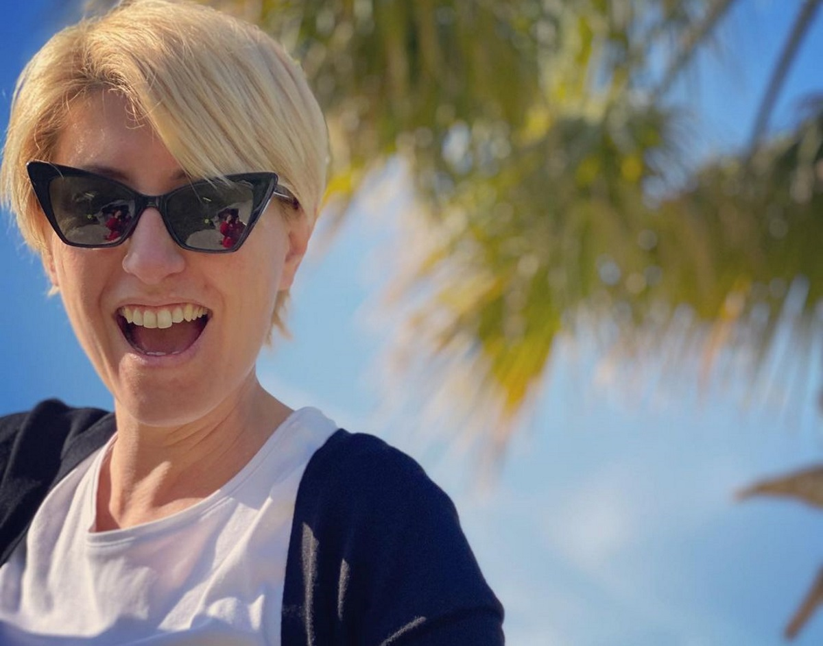 Σία Κοσιώνη: Ποζάρει στην κουζίνα της χωρίς  ίχνος μακιγιάζ και αποκαλύπτει την μαγειρική… αποτυχία της (pic)