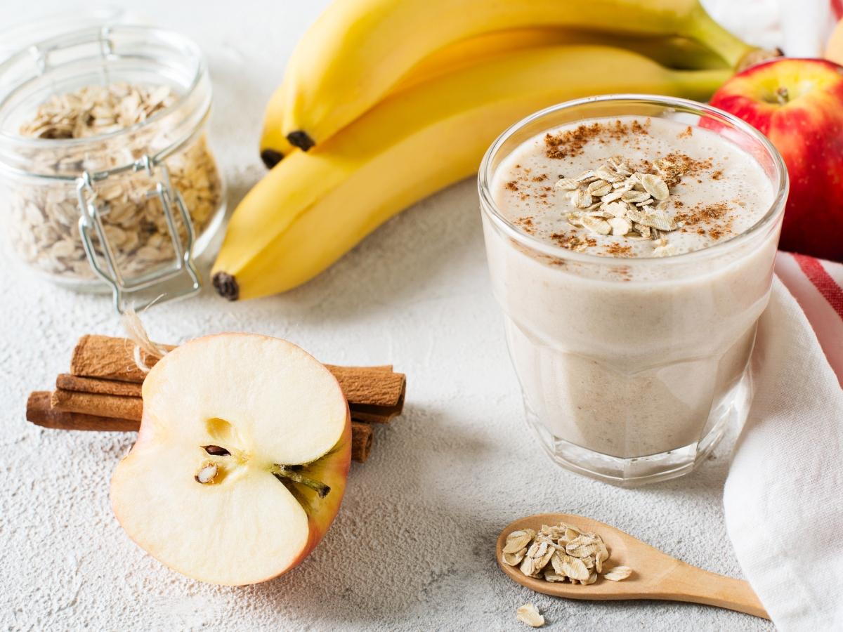 Συνταγή για smoothie με μπανάνα και μήλο, ιδανικό για αποτοξίνωση