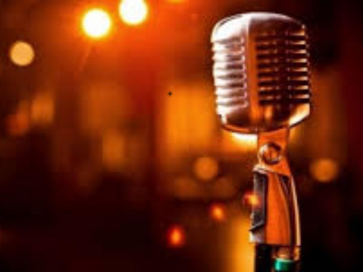 """Γνωστός Έλληνας τραγουδιστής εξομολογείται: """"Στην αρχή δεν πίστευα στον κορονοϊό αλλά…."""""""